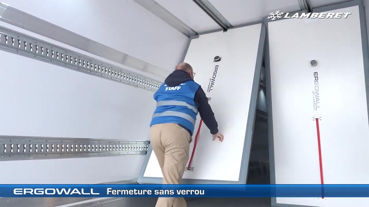 Ergowall: verplaatsbaar tussenschot voor opleggers en vrachtwagens